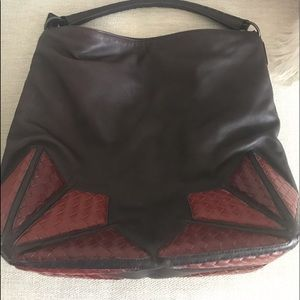 Bottega Veneta Large Leather Sachel: Beautiful!!